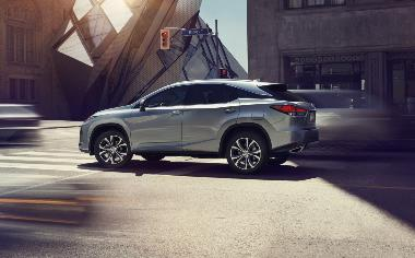 2020_Lexus_RX_350_side_left